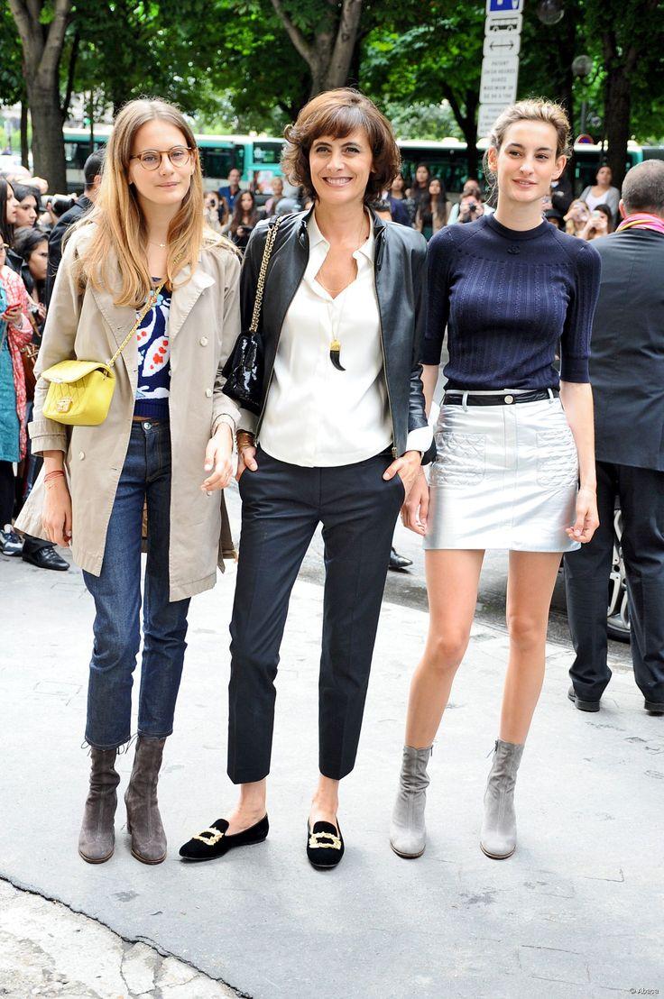 Ines de la fressange et ses deux filles, Violette et Nine d'Urso, le 8 juillet 2014.