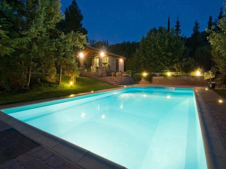 VERDE CARIBE_Otra #piscina de #diseño renovada con membrana armada RENOLIT ALKORPLAN2000 Blanco en tu #hogar