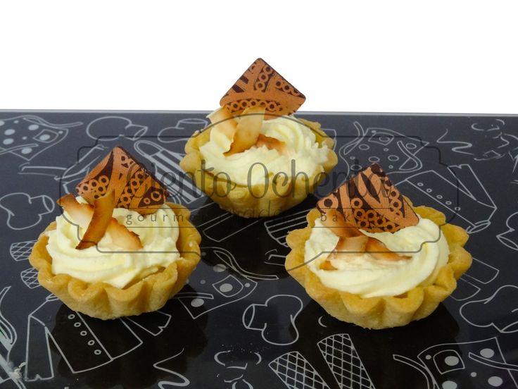 Mini Tartaletas de Mango-maracuyá con crema de coco
