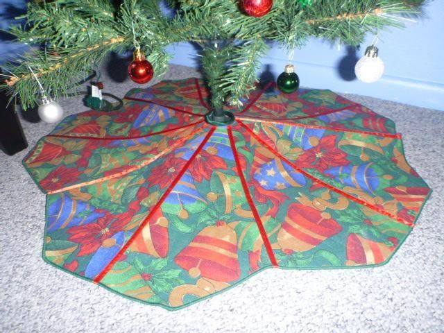 Best 25 DIY Christmas Tree Skirt Ideas On Pinterest