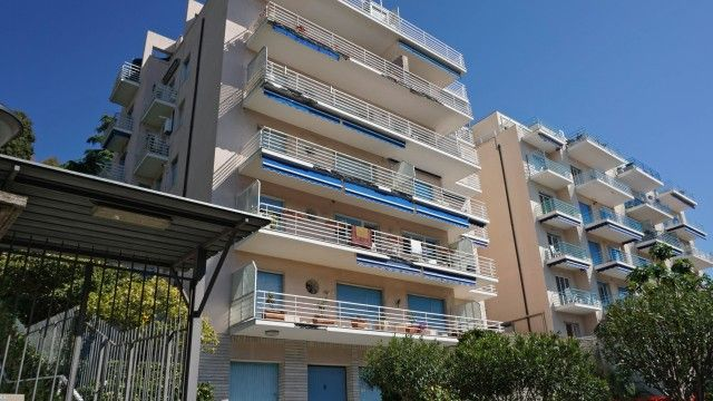 """#rivierahomeholidays - #sanremo, Three-room apartment. Residential context of prestige, well served by public transport, only few min on foot from the center """"Foce"""", the promenade """"Imperatrice"""", beaches and the Bicycle path... perfect. Check it out! €320,000"""