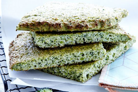 Har du svært ved at få spist de anbefalede 600 gram grønt om dagen, så snup lidt brød! I vores brød gemmer der sig nemlig masser af skønne grøntsager, der både giver farve og masser af mættende kostfibre og smag.