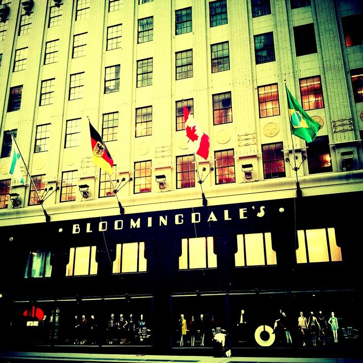 ©deWildePIX @Bloomingdales #NYC always #sexy!