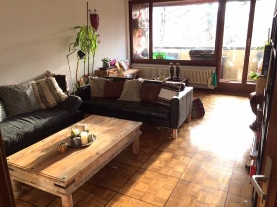 Large apartment 4.5 rooms, balcony, parking, qu... : To rent apartment 4.5 rooms in Grand-Lancy, Geneva, 88sqm, 2 large bed rooms, a balcony and parking, free from 1st May, 2670frs including charges and   100frs for the parking.   Quiet neighborhood,...