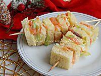 Spiedini tramezzini al salmone antipasto Natale Capodanno