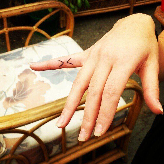 Tiny Tattoo Idea – Pinky Tat…