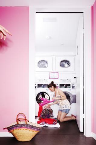 Laundry service / servicio de lavandería Amistat Beach Hostel Barcelona