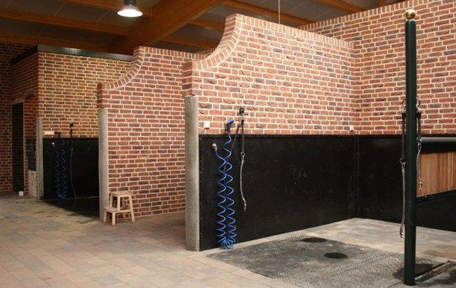Individual brick wash stalls