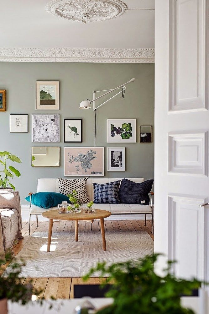 Green wall paint interior trend 2016 | #green #interiors #greenwall   January round up > interior inspirations and design news from Jan2016 on ITALIANBARK - interior design blog > http://www.italianbark.com/january-round-up-interior-design-blog/ #january