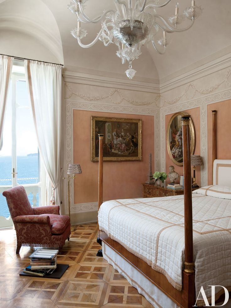 Look Inside a Luxurious Apartment in Naples with Plenty of Old World Charm Photos | Architectural Digest