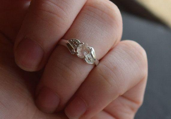 Diamant brut bague de fiançailles, bague de diamants bruts, coeur bijoux, diamant naturel de Uncut demi-jonc, bague en argent Sterling anneau de mariage Avello