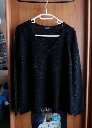 Kupuj mé předměty na #vinted http://www.vinted.cz/damske-obleceni/s-v-vystrihem/15801385-krasny-cerny-svetr-s-flitry-zn-esmara