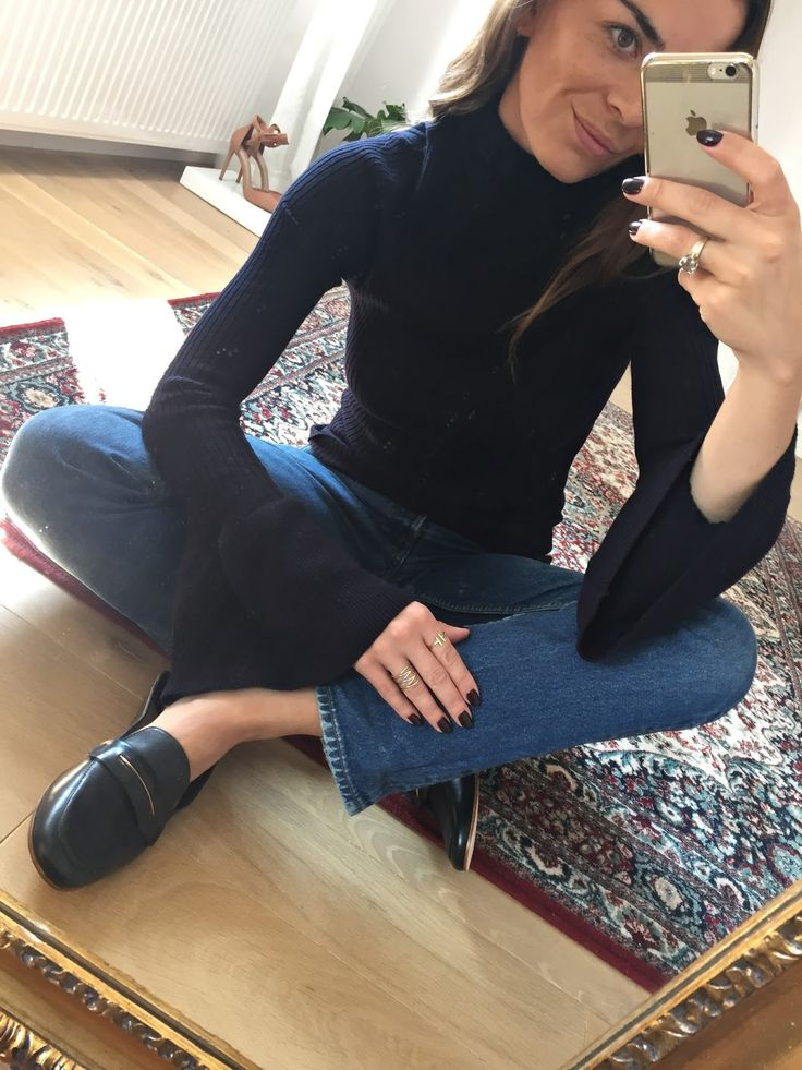 Flared sleeves - AGNESA ADAMCZAK
