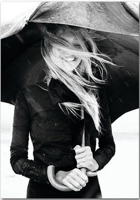 a trench and a big umbrella, almost makes me wish for rain!