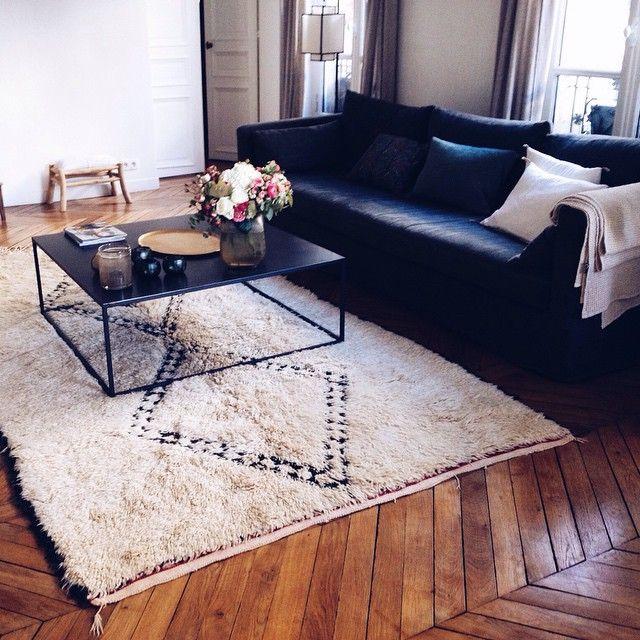 I N  S I T U #tapis #fragments #vintage #beniouarain #beniourain #rugs #caravane #decoration #interiors #interieurs #design #deco #parisian #homedecor #paris #vsco