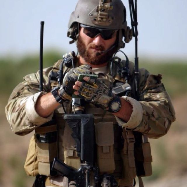 U.S. Special Forces Green Beret [7 th SF Group 18B, Weapons Sergeant]