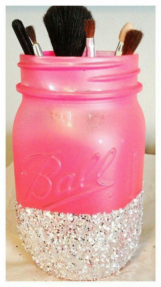 Painted and glitter dipped jason jar (to hold make up brushes?)