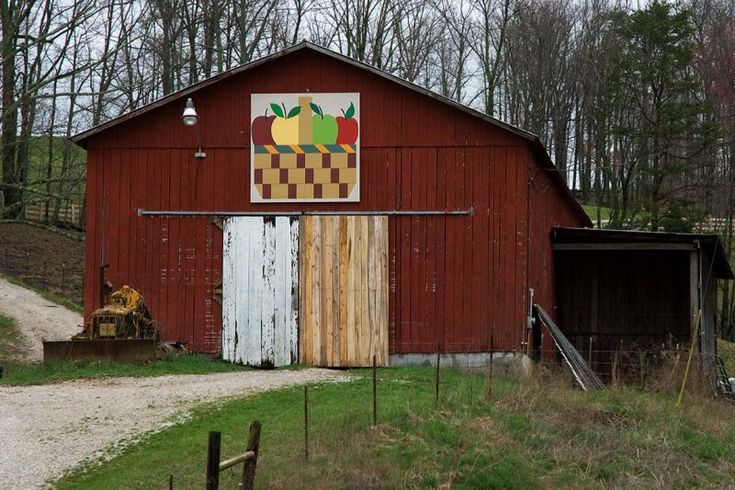 Quilt Patterns On Barns In Ky : 20 best images about Barn Quilts on Pinterest Abstract paintings, Barn quilt patterns and Quilt