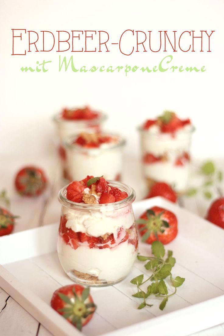 Erdbeer-Dessert mit Mascarponecrunch