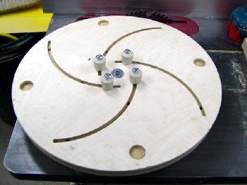 Longworth self centering Chuck for turning the bottoms of bowls. I need to build a couple of these!!!