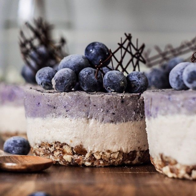 """Cheesecake"" Cru de Caju e Mirtilo! 4...   Be Nice, Make a Cake"
