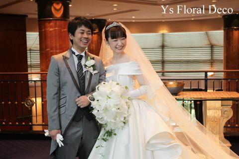 ボリュームたっぷりのユリのキャスケードブーケys floral deco@ウェスティンホテル東京