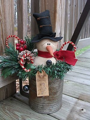 Folk PrimiTive ChrisTmas WinTer SNOWMAN DOLL Old Rusty SifTer Table Decoration