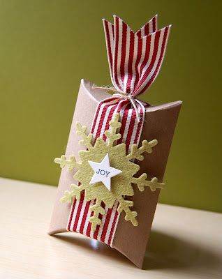 Cristina Kowalczyk for Wplus9 featuring pillow boxes, Simple Snowflake die and Clear Cut Stackers: Stars die.