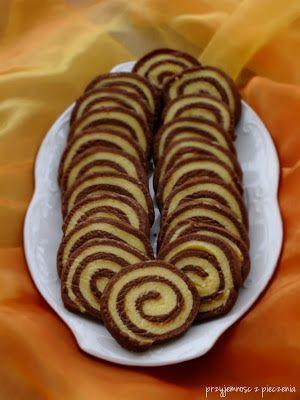 Przyjemność z pieczenia: Kruche spiralki waniliowo-czekoladowe