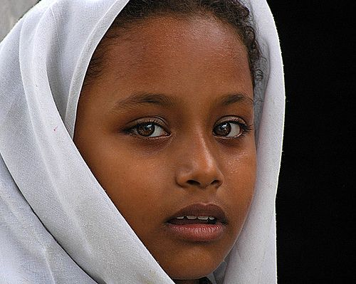 Makrani youth, Pakistan. According to The African Diaspora in the Indian Ocean World, Pakistan has the largest African-descended population in South Asia, there are atleast 250,000 persons of East African descent that live on Pakistan's southern coast.
