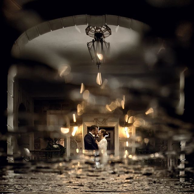 Inverted reflection on a rainy wedding day at one of my favourite venues Graydon Hall Manor #graydonhall #graydonhallwedding #couplescape #torontowedding #torontophotography #torontophotographer #photographer #photography #photooftheday #nikontop #nikon #