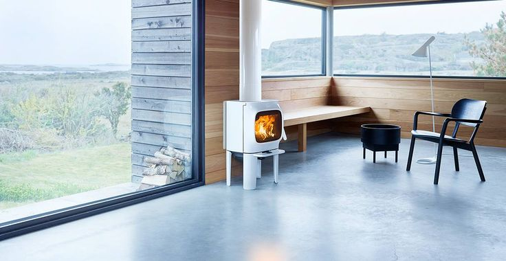 Jøtul F 105: A small wood stove with character
