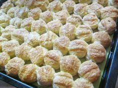 A tepertős pogácsát eddig is szerettük, de sajttal még finomabb! Karácsonyra is meg kell sütnöm! :) Hozzávalók: 50 dkg liszt 20 dkg tepertő 2,5 dkg[...]