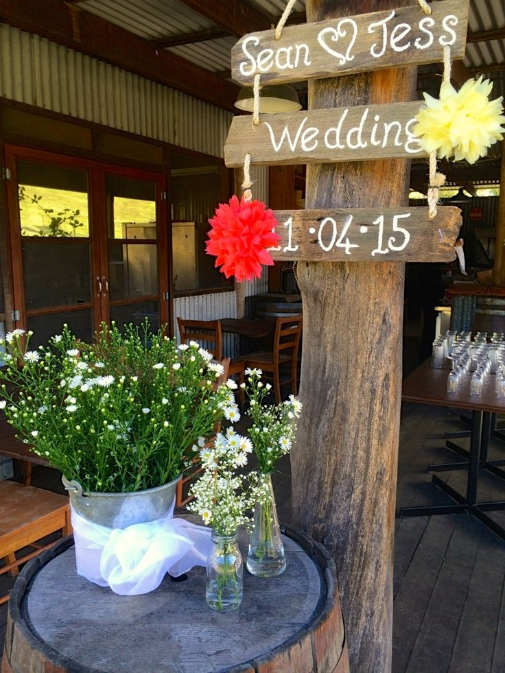Jess & Sean's Wedding 11.04.15 #ivyandmoss #eventstyling #wedding #countrywedding #flowers #babysbreath #welcome #ciderbarn #signage