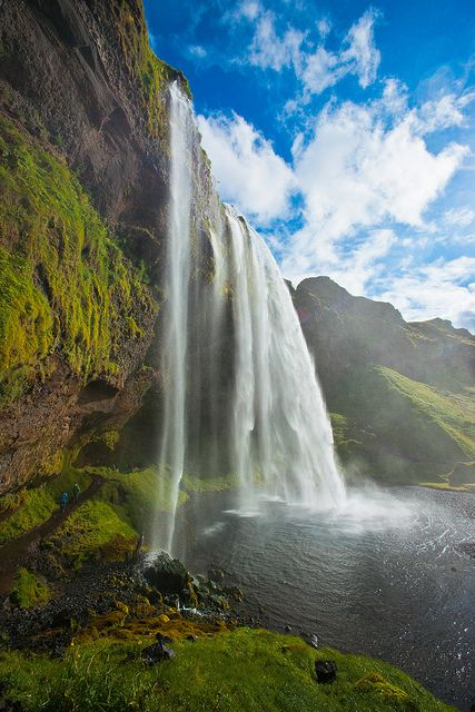 Yes please!: God Creations, Seljalandsfoss, Iceland Waterfalls, Favorite Places, Awesome Pictures, Ocean Waves, Beautiful Places, Mothers Teresa, Iceland Travel