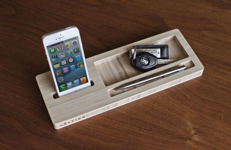 iSkelter Classic Station — подставка под iPhone, ключи, бумажник — Обзор аксессуаров — Macilove