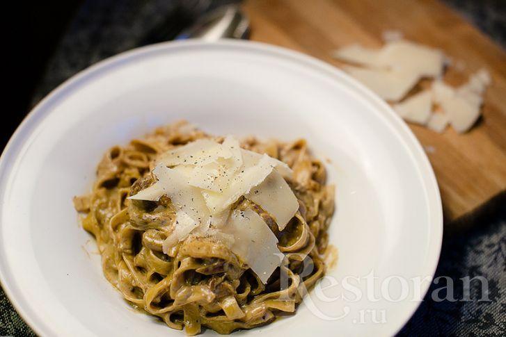 Это классический рецепт итальянской пасты. И раз уж у нас на дворе грибная пора…