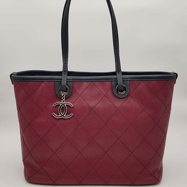 2400 Wire Preloved In Excellent Condition Chanel Shopping Fever Tote Red Caviar Silver Hardware Serial Code Starting With Red Caviar Preloved