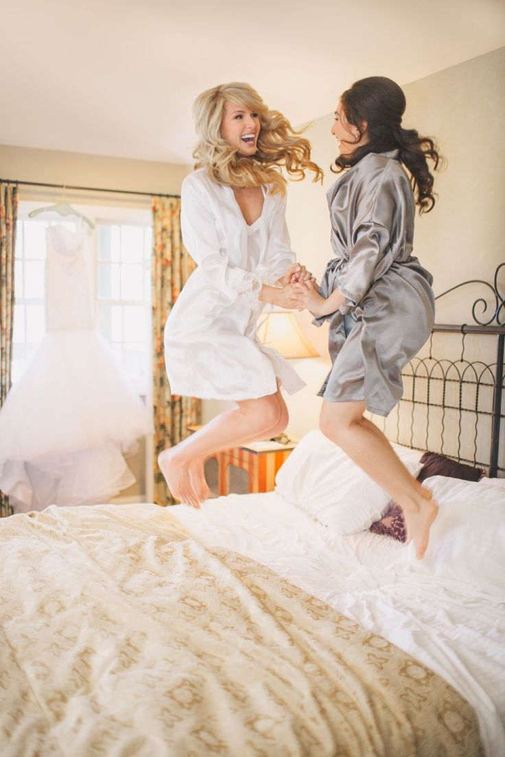 Bride and her Maid of honor morning of the wedding. Kelsea Holder Photography, Reilly and Katie's Woodsy Wedding. #weddingphotograpy #poses #rusticweddings