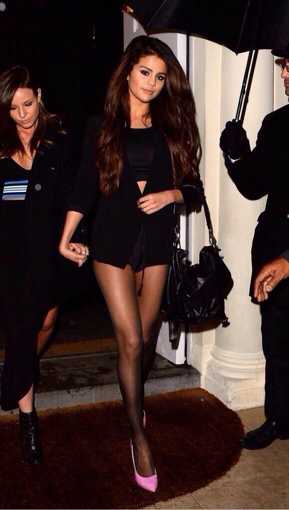 Selena Gomez Celebrity Street Style Pinterest