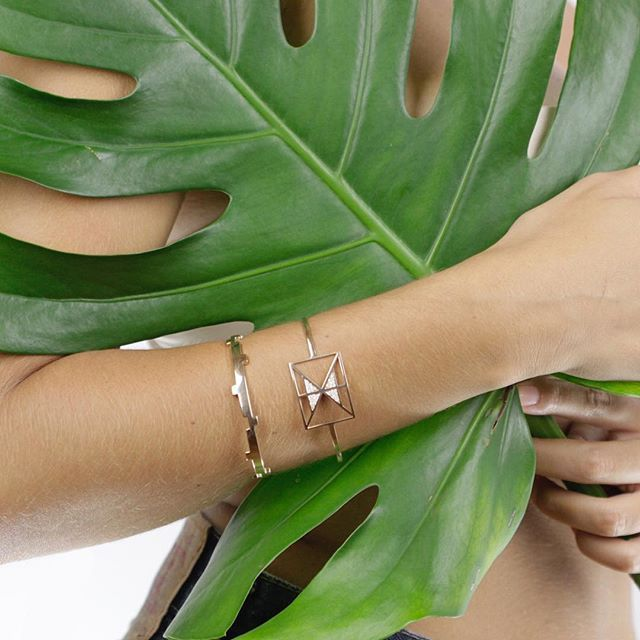 We love our Afew pairing: Tai Po Bracelet and Legoo Bracelet, don't you? www.AfewJewels.com  #afewjewels #fashion #style #gold #bracelet #legoo #taipo #love #picoftheday #photooftheday #amazing #design #green #leaf #instamood #photo #instaphoto #nice #creation