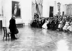 Pablo Casals performs at White House Dinner for Governor and Mrs. Munoz-Marin of Puerto Rico, November 13, 1961.