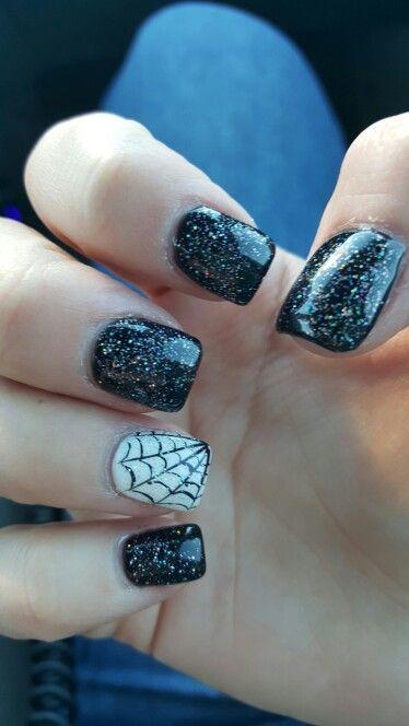Halloween nail art: