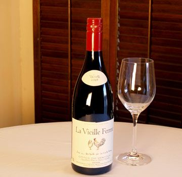 La Vieille Ferme Rouge 2007 A blend of grenache, syrah, cinsault, and carignan, this wine offers raspberry and dried strawberry flavors along with some black plum and hints of blueberry. Region: Rhône Valley, France Drink with: Chicken, pork, grilled salmon $9
