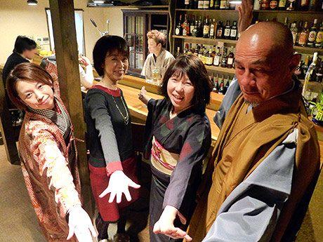 「日本の心、伝えたい」-姫路のカクテルバー、男性店主が和装で出迎え(写真ニュース)