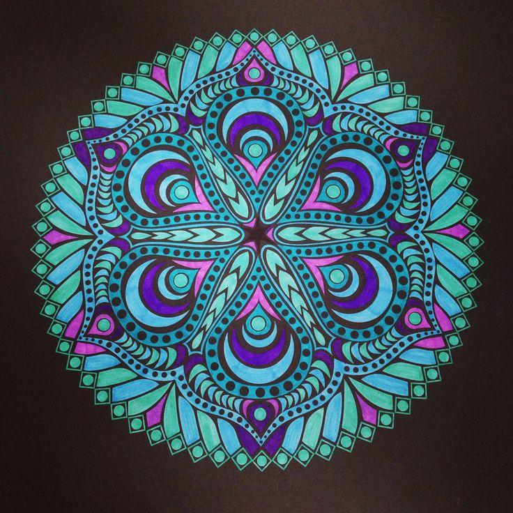 Mandala uit Kaleido Color, stabilo pen 68 en point 98