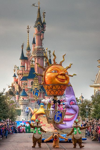 Disney's Once Upon a Dream Parade - Disneyland Paris' 15th Anniversary