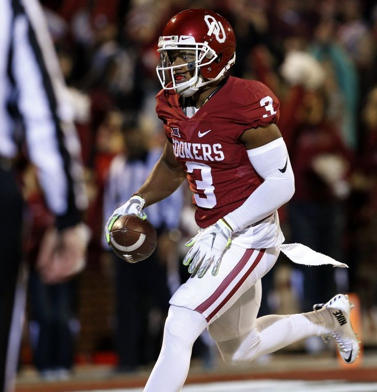 Oklahoma's Sterling Shepard (3) scores on a long pass during a college football game between the University of Oklahoma Sooners (OU) and the TCU Horned Frogs at Gaylord Family-Oklahoma Memorial Stadium in Norman, Okla., on Saturday, Nov. 21, 2015. Photo by Steve Sisney, The Oklahoman
