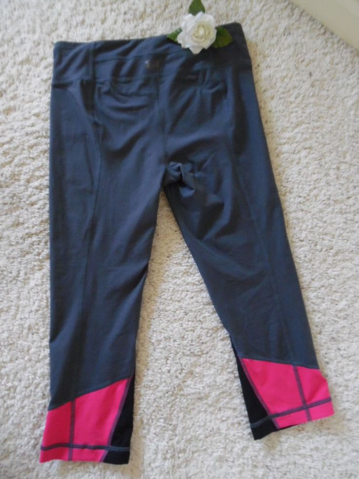 UNDER ARMOUR RUN YOGA GYM CROP SP~UA STUDIO WORKOUT EVERYDAY CAPRI S~90%NEW #Underarmour #PantsTightsLeggings
