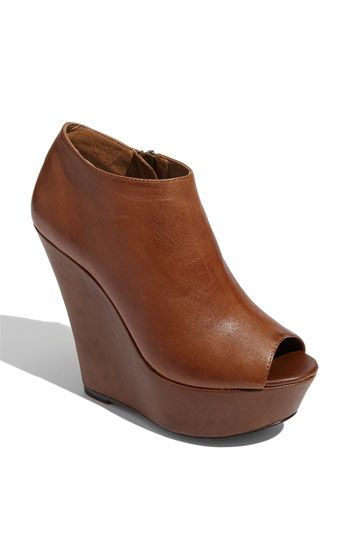 I usually don't like peep toe booties, but I loooove these! and they're Steve so...ya know;)